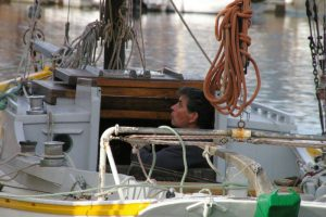 gilles-sur-son-bateau-chants-de-marins-2011